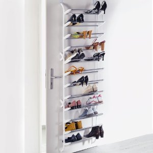 Schuhaufbewahrung an der Tür
